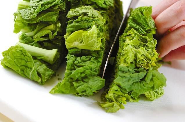 菜の花のピリ辛炒めの作り方の手順1