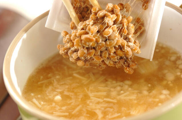 エノキ入り納豆汁の作り方の手順4