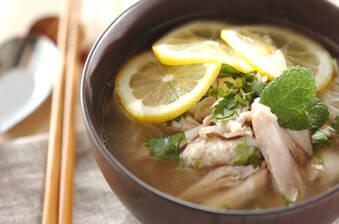 アジアン鶏煮麺