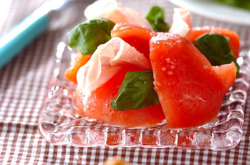 5. トマトと生ハムのサラダ