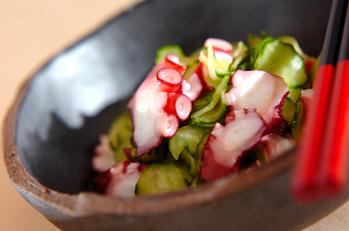 ゆでタコと塩揉みキュウリの酢鉢