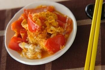 スピード中華副菜!トマトのオイスター炒め
