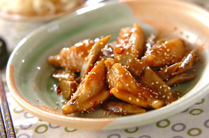 1. 鶏とゴボウの甘酢炒め