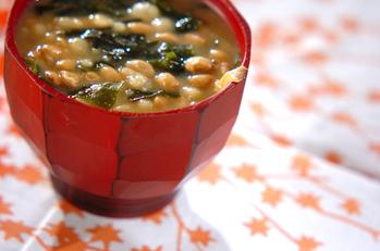 納豆とワカメのみそ汁