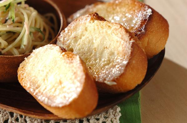 ガーリックバタートーストのレシピ