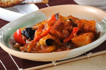 揚げナスと高野豆腐のチリソース