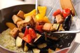 揚げナスと高野豆腐のチリソースの作り方8