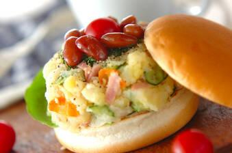 ポテトと煮豆のサンドイッチ