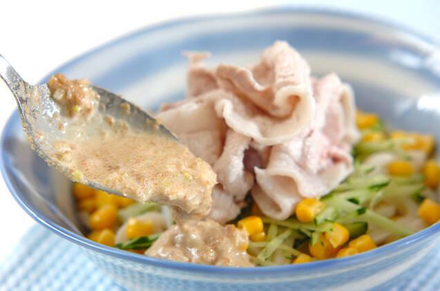 ゆで豚のゴマ酢うどんの作り方の手順6