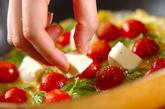 プチトマトのミニオムレツの作り方3