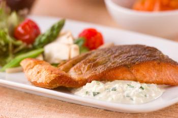 鮭のソテータルタルソース