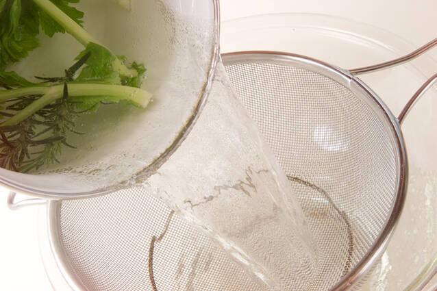 エンドウの香りポタージュの作り方の手順1