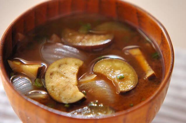 お味噌汁でおなか一杯♩野菜たっぷり大満足お味噌レシピ15選