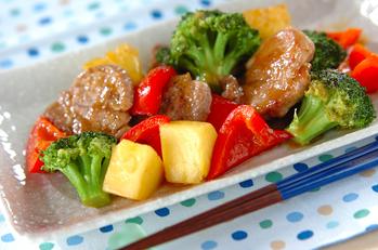 豚肉とパイナップルの炒め物