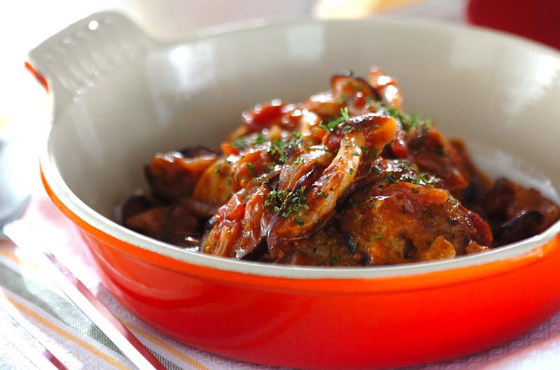 野菜たっぷり♩トマトソース煮込みハンバーグ