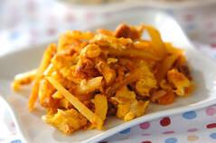 ジャガイモと卵のケチャップ炒め