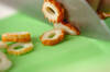 あと一品に!キュウリとちくわのワサビマヨ和えの作り方の手順1