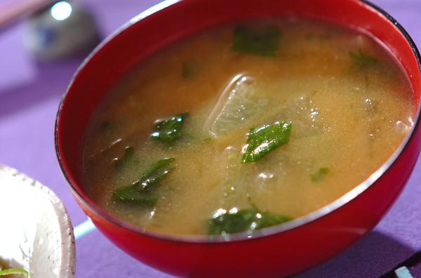 冬瓜と大葉の味噌汁
