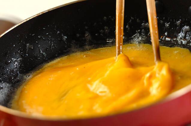 ひき肉入りオムレツの作り方の手順4