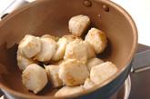 里芋のゴマダレ和えの作り方1