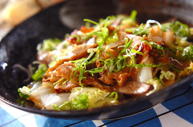ひと手間でおいしく「豚バラと白菜の炒め蒸し」