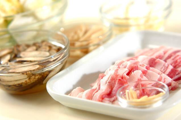 豚肉と白菜の炒め蒸しの作り方の手順1