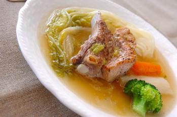 白菜とスペアリブの煮込み
