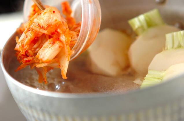 牛肉巻きと小カブのキムチ煮の作り方の手順5