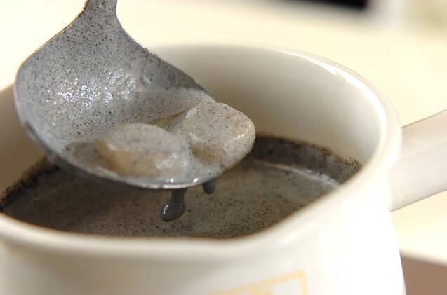 黒ゴマと豆乳のお汁粉の作り方の手順3