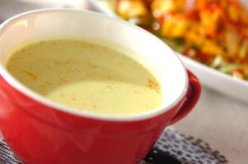 カリフラワーとレタスのスープ