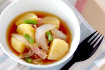 ジャガイモとベーコンの煮物