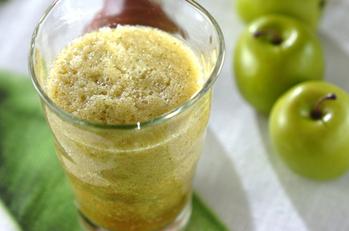 大葉と青リンゴの癒しジュース