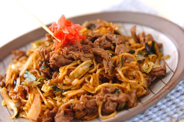 牛肉とニラの焼そばの作り方の手順4