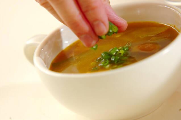 キャベツとベーコンのカレースープの作り方の手順5