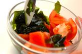 トマトとワカメの甘酢和えの作り方2