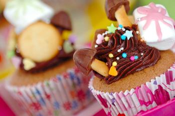 デコ盛りチョコケーキ