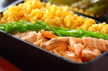 鮭と卵のそぼろご飯