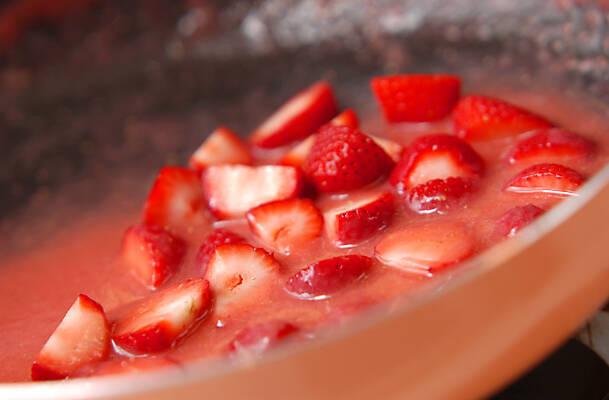 冷製シュゼット風クレープイチゴソースの作り方の手順7
