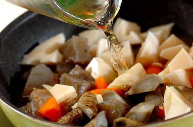 鶏もも肉とたっぷり根菜の煮物の作り方の手順9