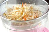 モヤシと桜エビのソース和えの作り方1