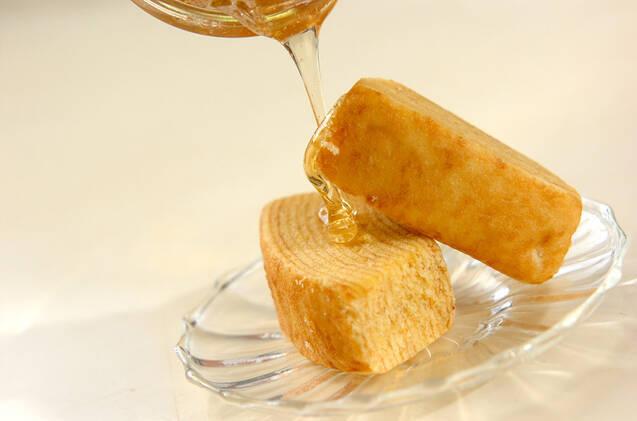 バームクーヘンのハチミツがけの作り方の手順1