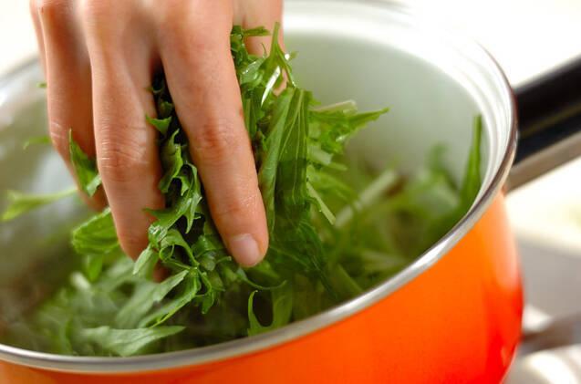 ベーコンと水菜のサッと煮の作り方の手順4