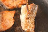 鮭のムニエルの作り方2