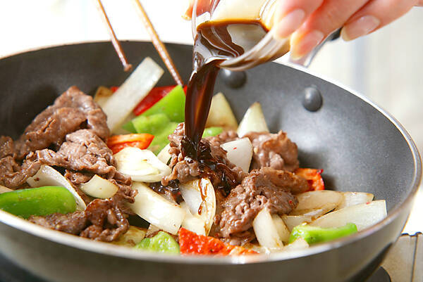 牛肉と玉ネギの炒め物の作り方の手順4