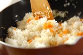 納豆としらす干しのオムライスの作り方1
