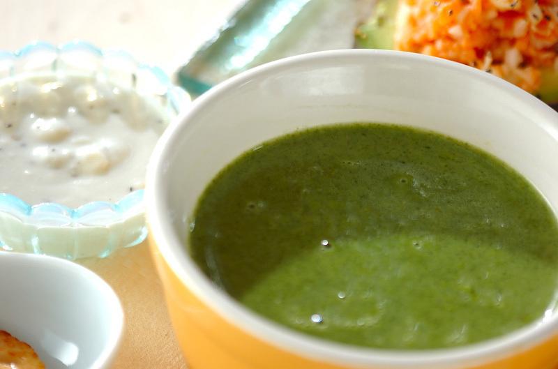 4. ホウレン草のスープ