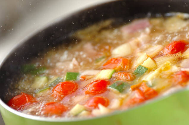 あっさり!ズッキーニとプチトマトのコンソメスープの作り方の手順6