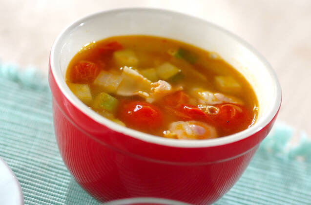 あっさり!ズッキーニとプチトマトのコンソメスープ