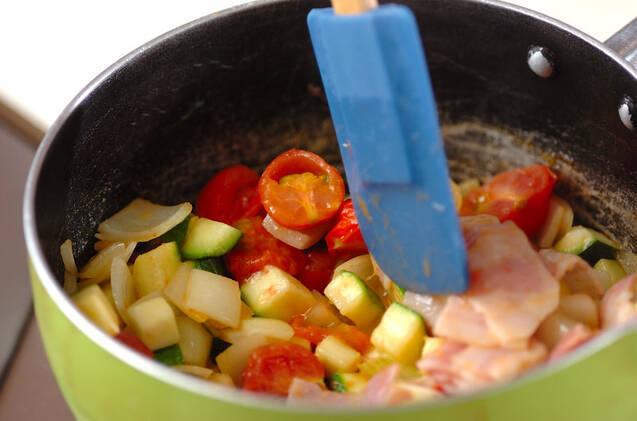 あっさり!ズッキーニとプチトマトのコンソメスープの作り方の手順5