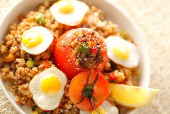 玄米チャーハン・トマトのっけ